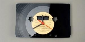 vinyl_disc_clock